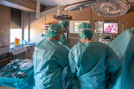 young doctors perform endoscopic gall bladder removal