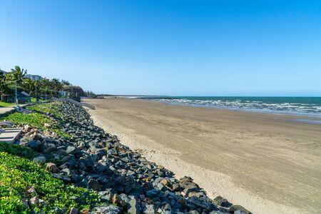the beautiful beach of Yeppoon in the north of Australia