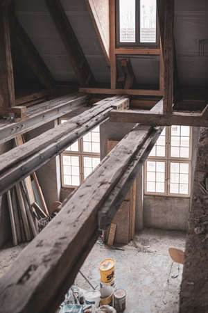 an old half-timbered house is being renovated at great expense and the beams are reinforced with steel beams Standard-Bild
