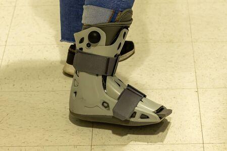 Aircast SP Short Pneumatic Walker Brace / Walking Boot