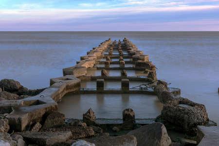 An old pier on Lake Michigan in Wisconsin 免版税图像