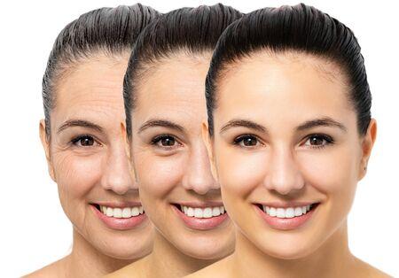 Chiuda sul ritratto di giovane donna concettuale che mostra il processo di invecchiamento della pelle. Tre ritratti della stessa ragazza con età e rughe diverse.