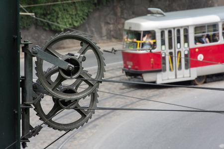 straining: Cogwheel straining trolley for tram