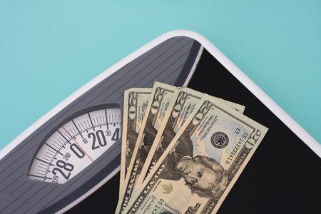 gewicht skala: American zwanzig Dollarnoten in Gewicht Skala