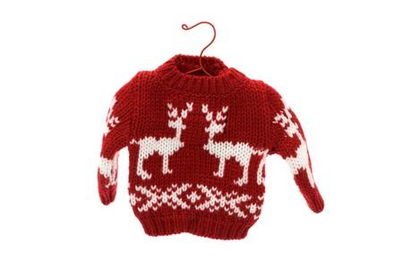 sueteres: Cute su�ter de Navidad aislado sobre fondo blanco, feliz Navidad  Foto de archivo