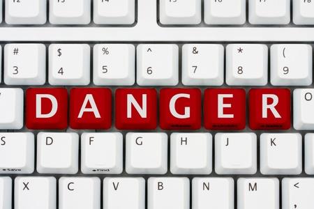 빨간색 키 맞춤법 위험이있는 컴퓨터 키보드, 인터넷에 위험