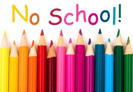 いいえ学校の言葉で白い背景上に分離されて鉛筆クレヨン境界線 写真素材