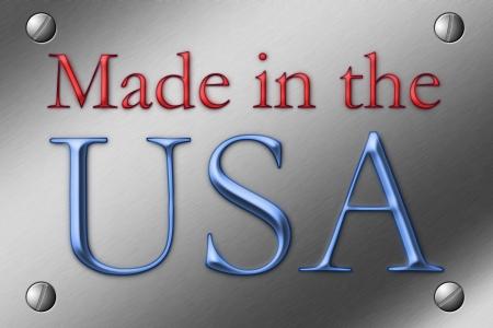 gemaakt: Geborsteld stalen plaat met schroeven in de hoek en de woorden die in de VS in rood en blauw Stockfoto