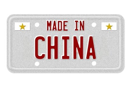 De woorden Made in China in vlag kleuren op een grijze kenteken op wit wordt geïsoleerd