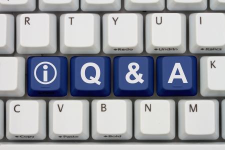 control de calidad: Teclas del teclado de ordenador con la palabra Q & A y el icono de información, obtener respuestas a través de Internet Foto de archivo