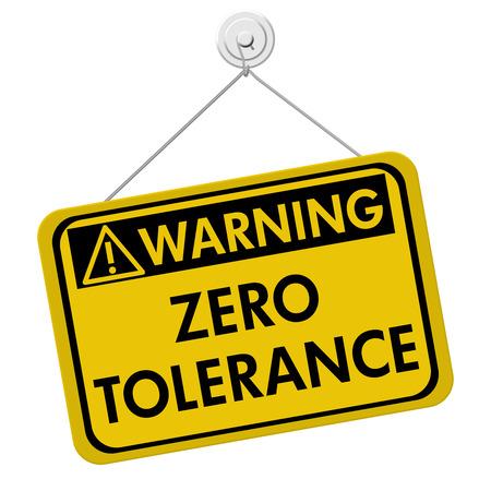 Zero Tolerance Warning Sign, Een gele en zwarte bord met de woorden Zero Tolerance geïsoleerd op een witte achtergrond Stockfoto