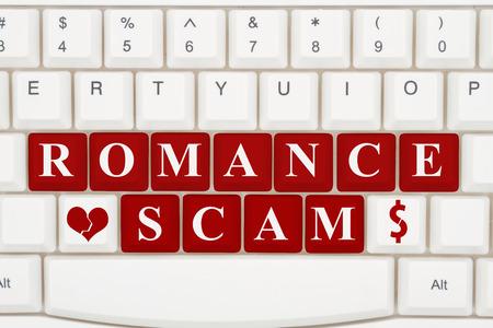インターネット上の詐欺をデート、赤いキーボードのクローズ アップ強調表示されたテキストのロマンス詐欺