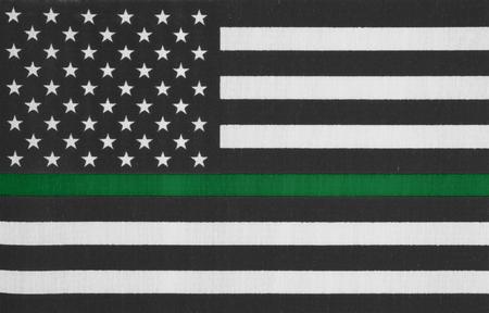 Bandera de línea verde delgada estadounidense por su apoyo a la patrulla fronteriza y otros agentes federales