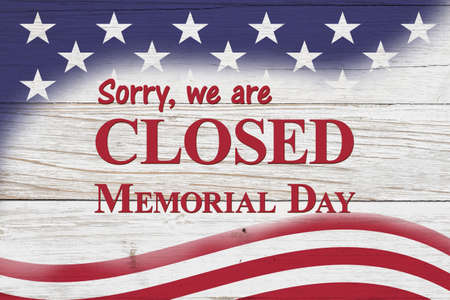 Closed Memorial Day sign with red, white and blue USA flag stars 版權商用圖片