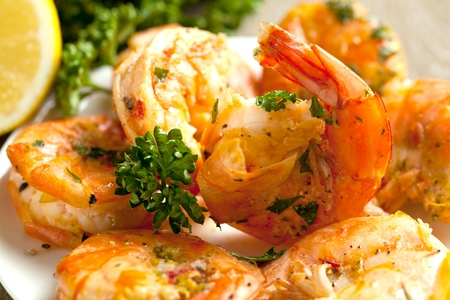 Skewers Barbeque grilled prawns with spicy ingredients. Banco de Imagens