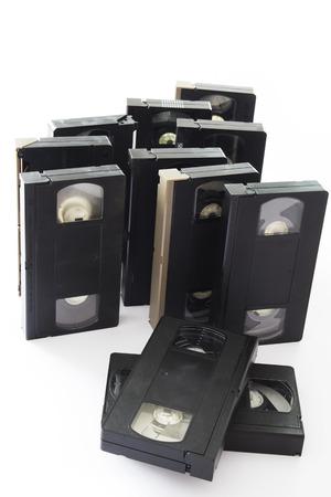 videocassette: Antiguo videocasetes Aislado en un fondo blanco.