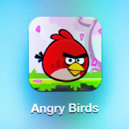 Angry app icon oiseaux sur l'iPad 3. Angry Birds est un jeu de stratégie réussie de puzzle vidéo développé par finlandaise ordinateur développeur de jeux Rovio Mobile.