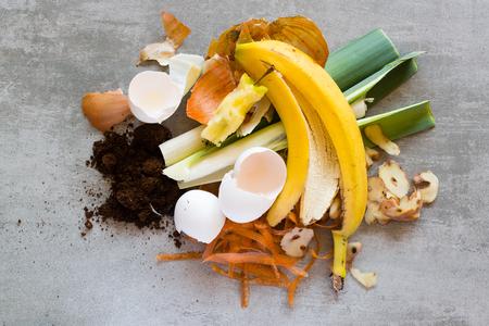 Organisch afval, voedsel en huisafval gebruikt om compost te maken