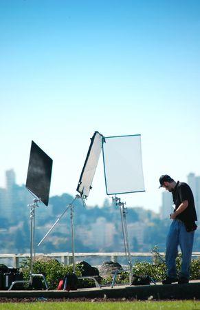 La mise en place d'équipage à un équipement de tournage vidéo près de San Francisco, Californie  Banque d'images