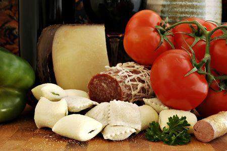 新鮮な食材イタリア料理の夕食と前菜 写真素材