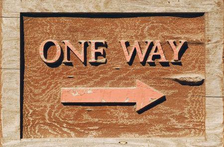 La main a découpé le signe à sens unique avec la flèche se dirigeant vers la droite Banque d'images - 871857