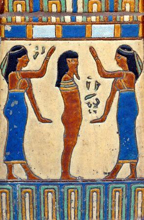 ネフティスのエジプトの女神とパークシティ、ユタ州で壁にツタンカーメン王のボディを描いた手作りタイル