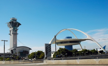 ロサンゼルス国際空港で管制塔