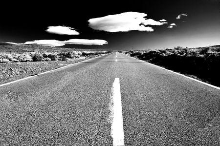 sierra: Empty road in the middle of the desert, Eastern Sierra Mountains, California