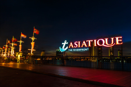 riverfront: BANGKOK, THAILAND - MAY 19: Asiatique The Riverfront  on May 19,2015 in Bangkok, Thailand. Asiatique The Riverfront is a large open-air market Editorial