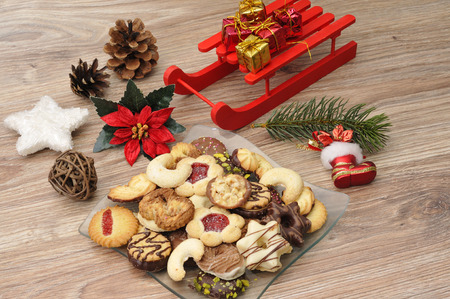 Baked cookies on a plate for Christmas Foto de archivo