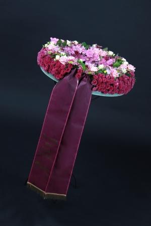 astern: Blumengesteck zur Beisetzung