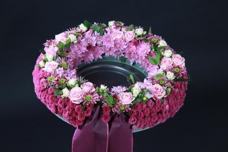 blumen: Blumengesteck zur Beisetzung