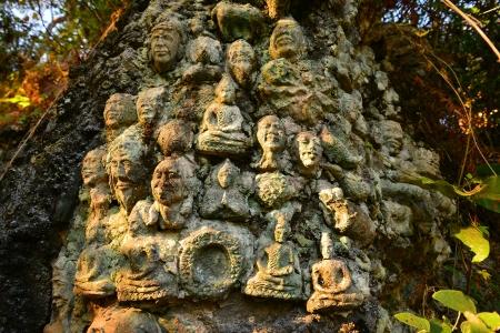 buddha head: Buddha Head Statues