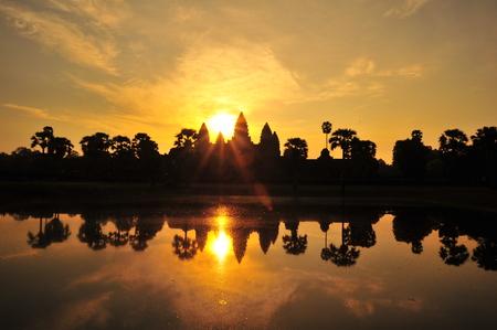 アンコール ワット寺院の日の出