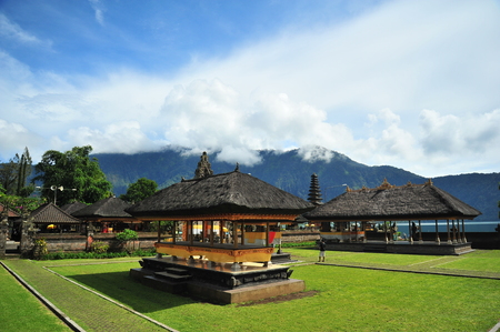bratan: Pura Ulun Danu Temple at Bali Island, Indonesia