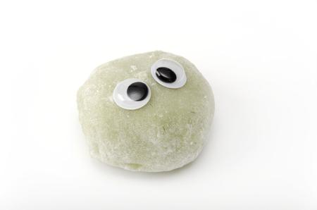 teacake: Mugwort rice cake, eyeball, look around restlessly