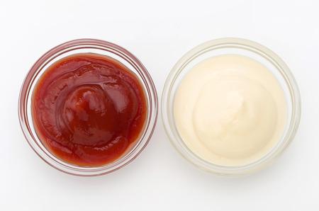 mayonesa: Mayonesa y salsa de tomate Foto de archivo