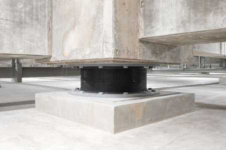 Building underground, Isolation rubber