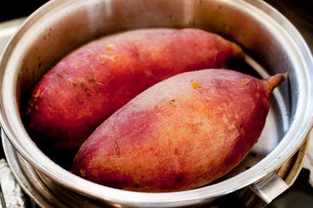 japanese sweet potato in steaming pot Zdjęcie Seryjne