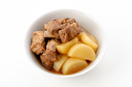 Japanese cuisine, Nimono, simmered radish and spareribs