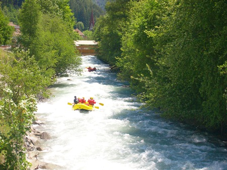 river rafting       photo