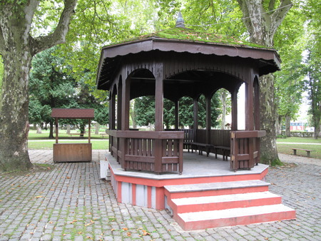 Kroatië hrvatska kerk glina banija toren siscia monument voor