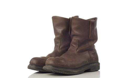 Een paar bruine veiligheidsschoenen