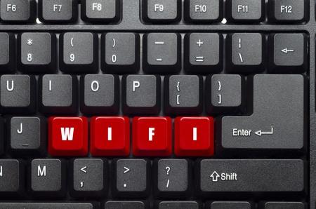 wifi woord op rood en zwart toetsenbord-knop Stockfoto