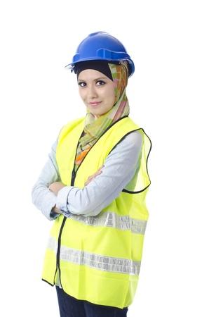 mujeres musulmanas: Hermosa mujer musulmana con el equipo de protecci�n personal