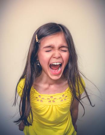 defiance: Screaming girl.