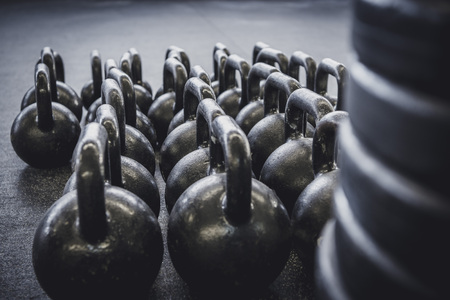 Closeup of weights and kettle bells in a gym Zdjęcie Seryjne