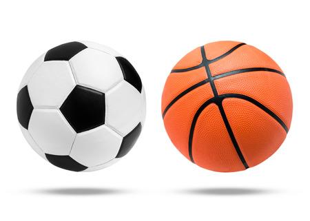 축구 공 및 농구 공 근접 촬영 이미지입니다. 축구 공 및 절연에 농구 공입니다. 흑백 색 축구 공입니다. 화이트 축구 공입니다. 오렌지 컬러 농구입니다. 아름 다운 축구 공입니다.