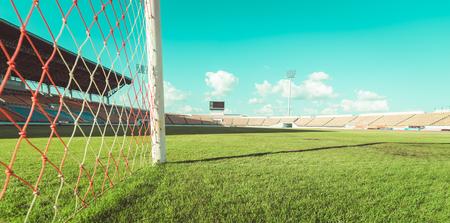 Herbe verte au stade de football, tonification vintage Banque d'images - 84926434