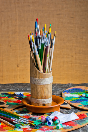 paints: Paints and brushes